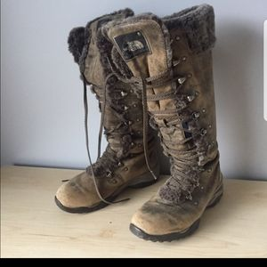 Distressed Leather Fur Lined North Face Boots!